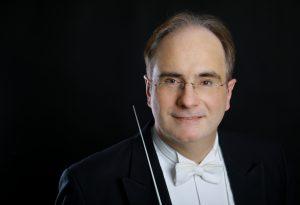 Dirigent und künstlerischer Leiter Philip van Buren